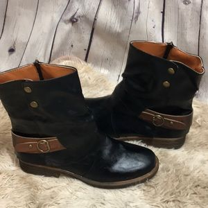 Leather boots size 41 zip-front Black and Tan